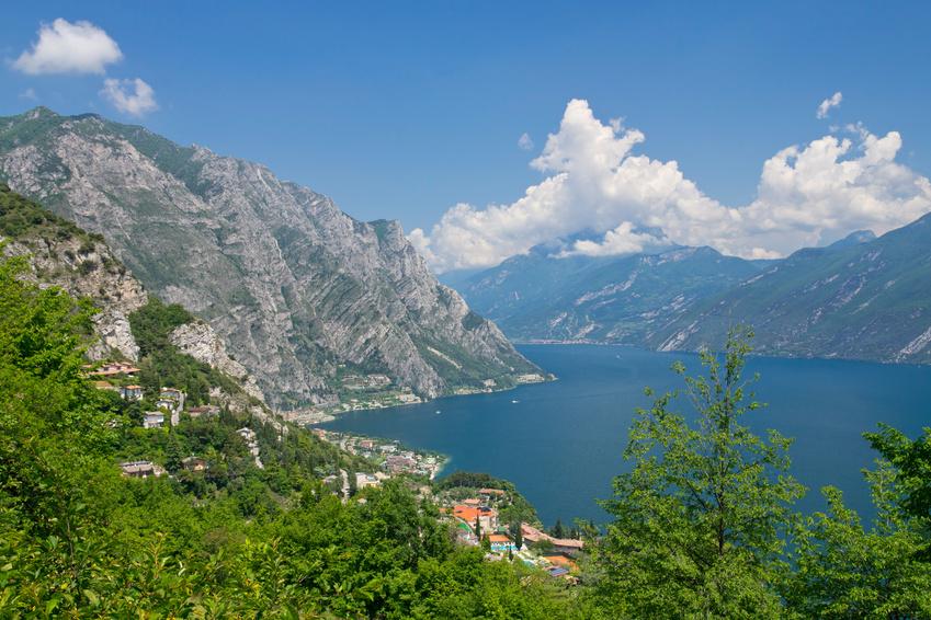 Limone, Gardasee, Italien, Luftbild, Berge, See